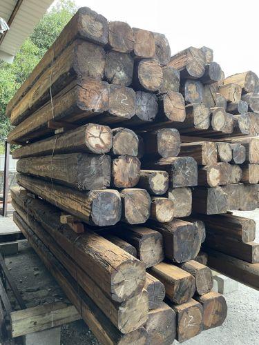 大柱料(花旗松,黃檜) 寬25-35cm,長4M-7M,木柱,木樑,墊木